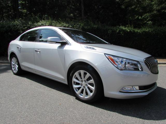 Pre-Owned 2016 Buick LaCrosse 4dr Sdn Premium I FWD