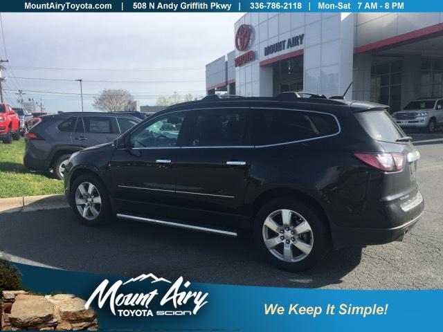 Pre-Owned 2017 Chevrolet Traverse FWD 4dr Premier