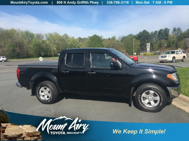 Pre-Owned 2011 Nissan Frontier 4WD Crew Cab SWB Auto SV