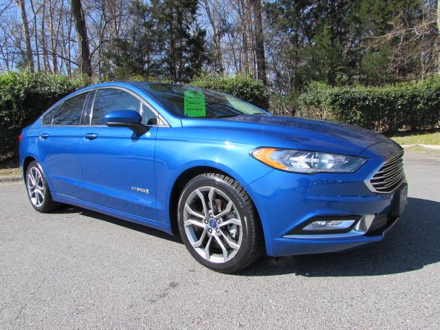 Pre-Owned 2017 Ford Fusion Hybrid SE FWD