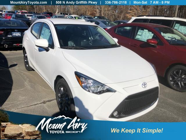 New 2019 Toyota Yaris 4-Door LE Manual