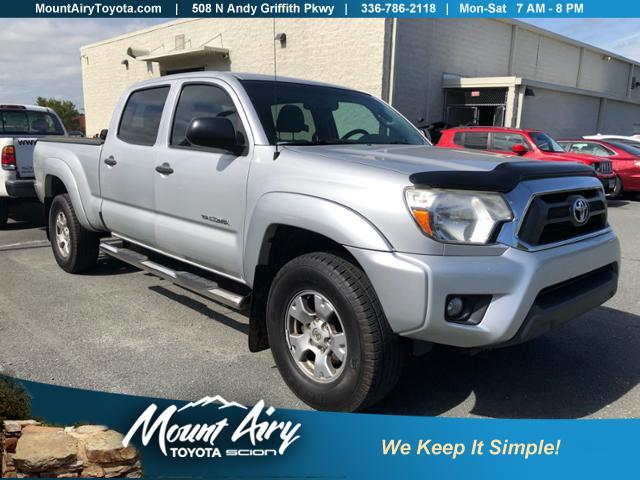 Pre-Owned 2012 Toyota Tacoma 4WD Double Cab LB V6 AT