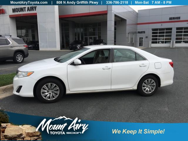 Pre-Owned 2014 Toyota Camry 2014.5 4dr Sdn I4 Auto LE
